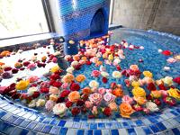 蒼の湯 バラ風呂
